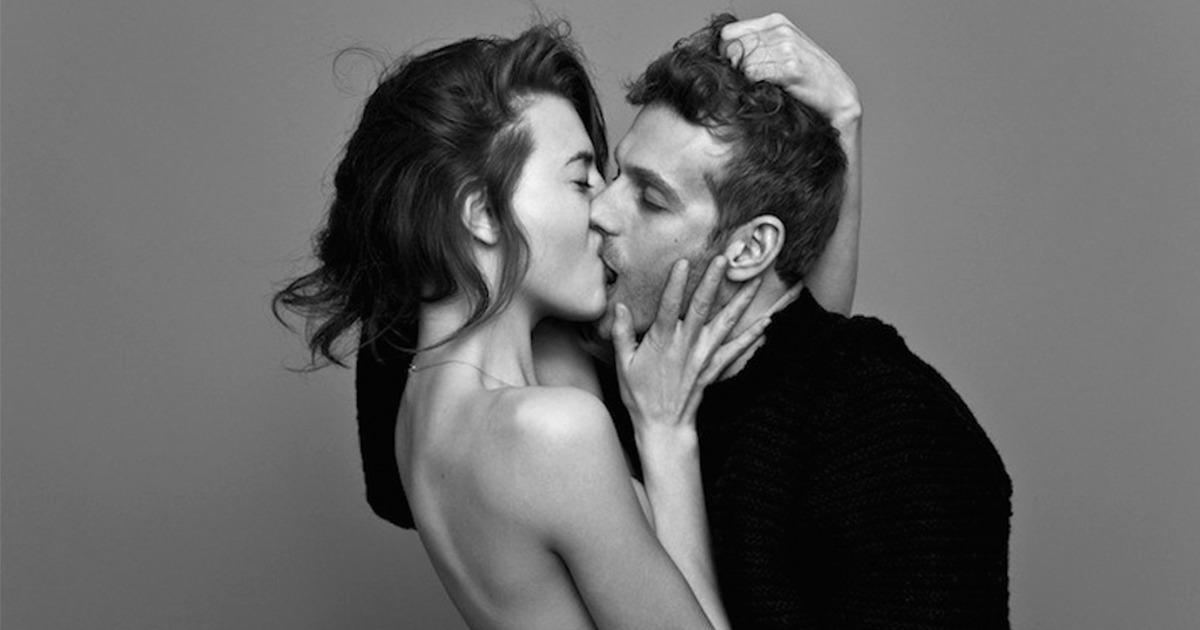 how to kiss girl and girl